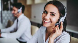 Telephoning business class in inlingua Andorra Woman on telephone